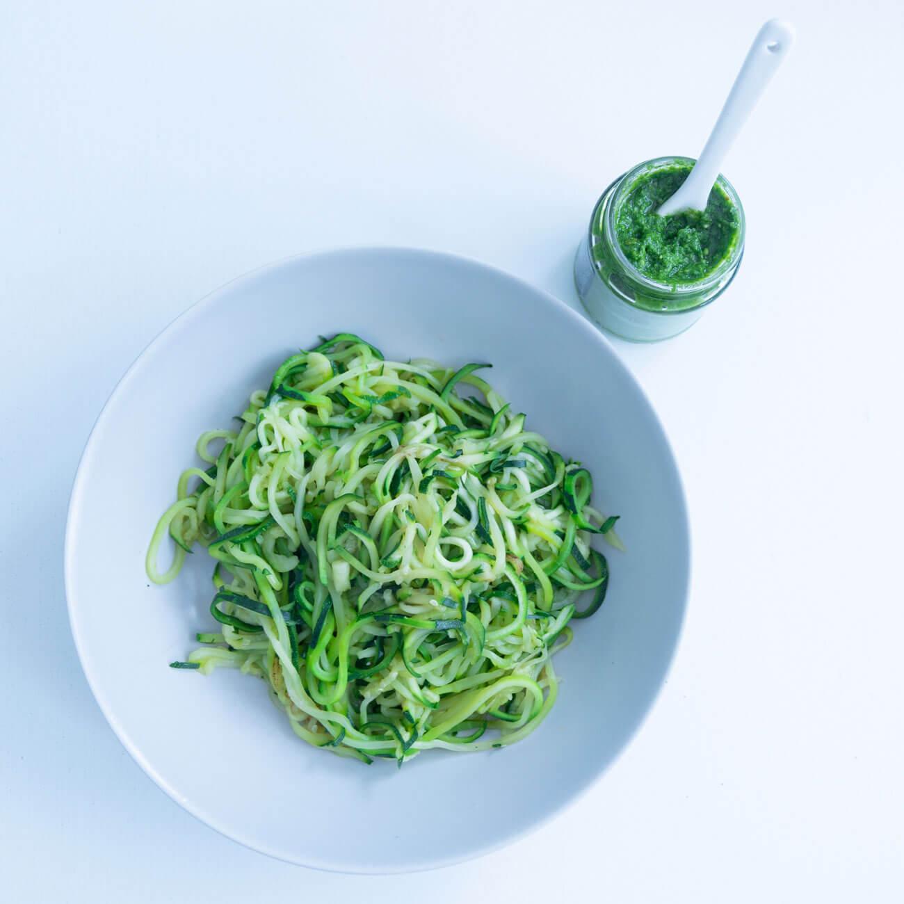 Low Carb, Bärlauch-Pesto mit Zucchini-Nudeln, einfach, selber machen, glutenfrei
